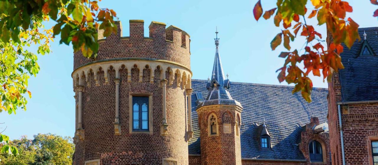 Burgturm der Burg Pfaffendorf in Bergheim