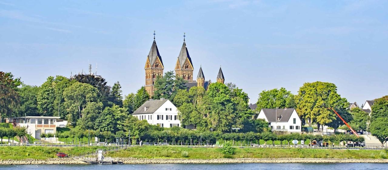 Ausblick auf das Ufer in Wesseling