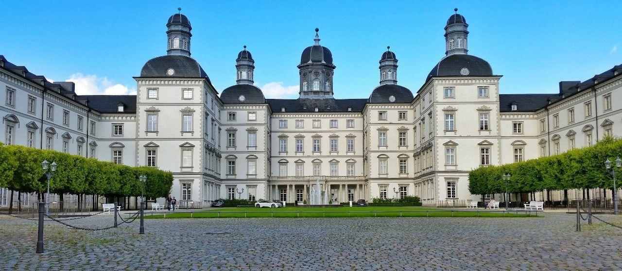 Eingangsbereich des Bensberger Schlosses