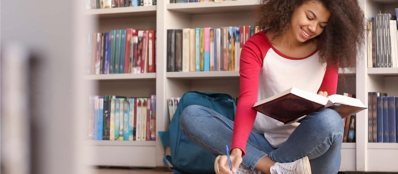 Junge  Menschen in der Uni